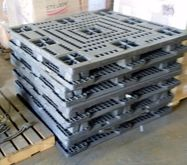 Used Plastic Pallets 48' x 48'