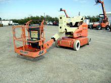 2008 JLG E400AN