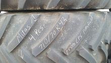 John Deere 710/70R42 Mitas