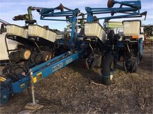 Used KINZE 2200 in N