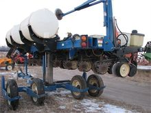 Used KINZE 2500 in N