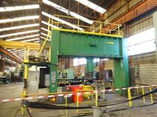 LVD CN 400 ton dish end forming