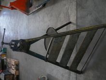 Pipe vise Round iron vise