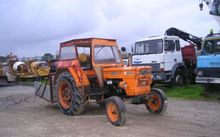 agricultural tractor FIAT 640
