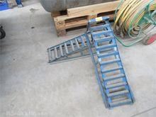 2 pcs. Metal loading ramps