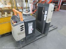 2009 Electric order picker CROW