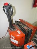 Electric pallet truck BT, load