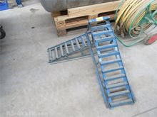2 pcs. Metal loading ramps