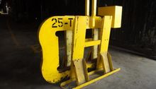 25 Ton C-Hook