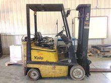 2001 Yale GLC030AFNUAE082