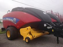 2014 New Holland BIG BALER 340S