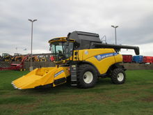 2015 New Holland CR6090