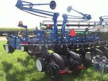 New 2014 Kinze 3200