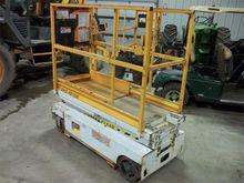 2005 Hy-Brid Lifts HB1030