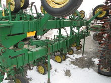 Used John Deere 825