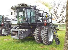 Used 2010 Gleaner R7