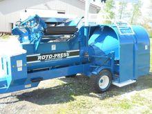 2016 Roto-press 895