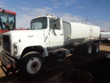 Used 1975 Ford L8000