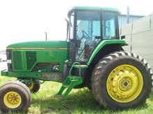 1993 John Deere 7600
