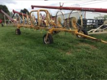 Farm King 9 wheel inline rake