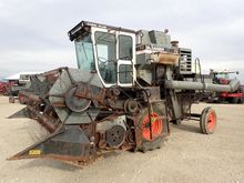 Used 1979 Gleaner F2