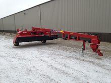 2013 New Holland H7460