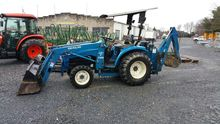 New Holland TC25D
