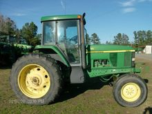 2000 John Deere 7410