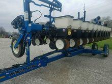 Used 2012 Kinze 3600
