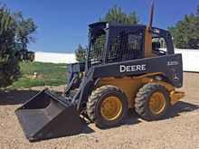 2013 Deere 320D