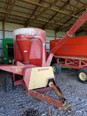 Farm Hand 825 feedmaster