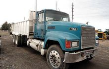 Used 2000 Mack in Ki
