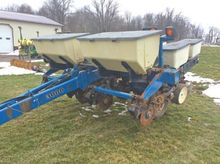 Used Kinze 4 ROW in