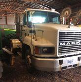 1999 Mack