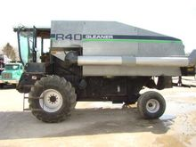 Used Gleaner R40 in