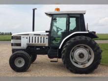 1993 AGCO White 6105