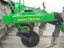 2006 John Deere 2100