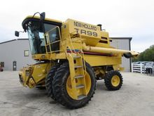2000 New Holland TR99