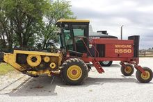 1996 New Holland 2550