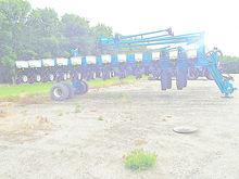 2006 Kinze 3700