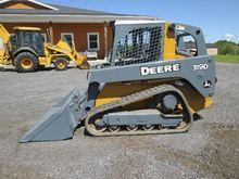 Deere 319D