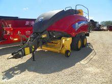 2015 New Holland BIG BALER 330