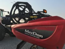 2014 MacDon Industries FD75D