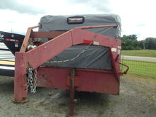 Gooseneck 24' stock trailer