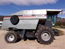 1991 Gleaner R60