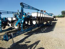Used 2001 Kinze 16 R