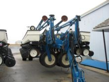 Used Kinze 3700 in H