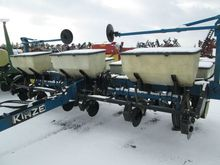 Used Kinze 6 ROW in