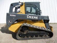 2010 Deere 329D