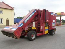 AGM self-propelled forage truck